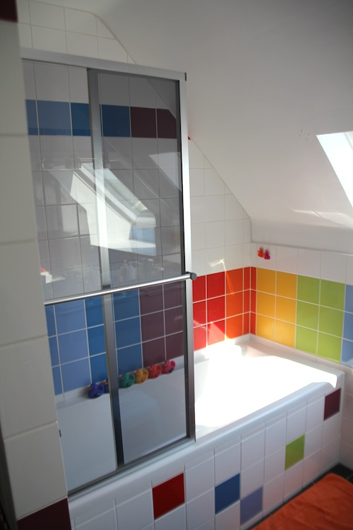 rainbow_bathroom8