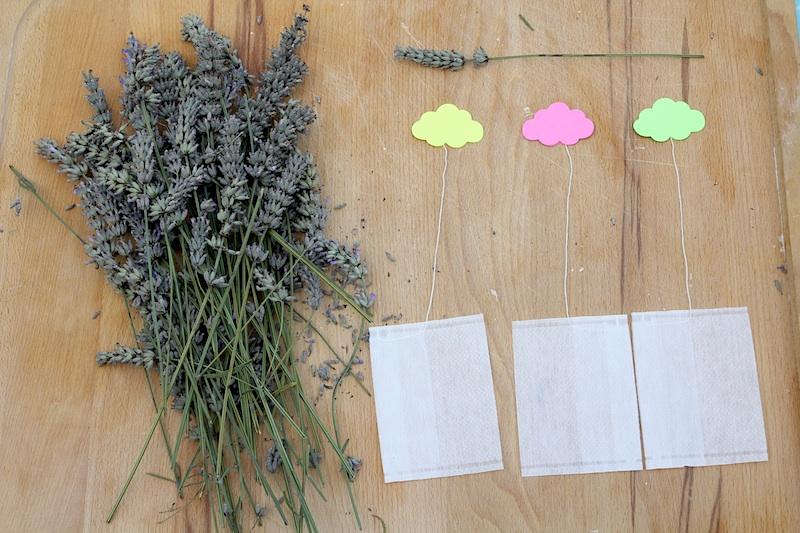 diy sachets de lavande sans couture le blog de. Black Bedroom Furniture Sets. Home Design Ideas