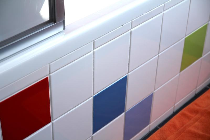rainbow_bathroom9
