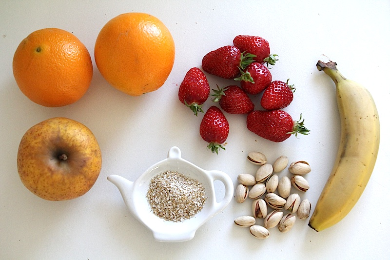 Smoothie bowl fraise banae pistache via Wonderful Breizh
