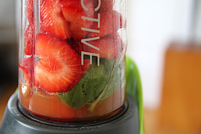Recette soupe de fraises basilic et menthe (via wonderfulbreizh.fr)