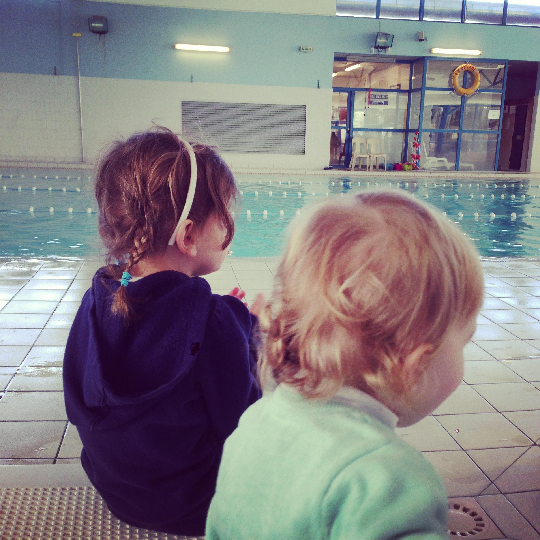 girls-piscine