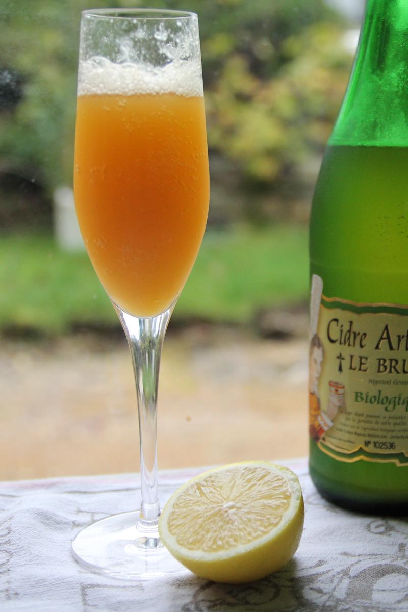 Breizh & Peaches - cocktail cidre et pêche (pour la recette, cliquez sur l'image)
