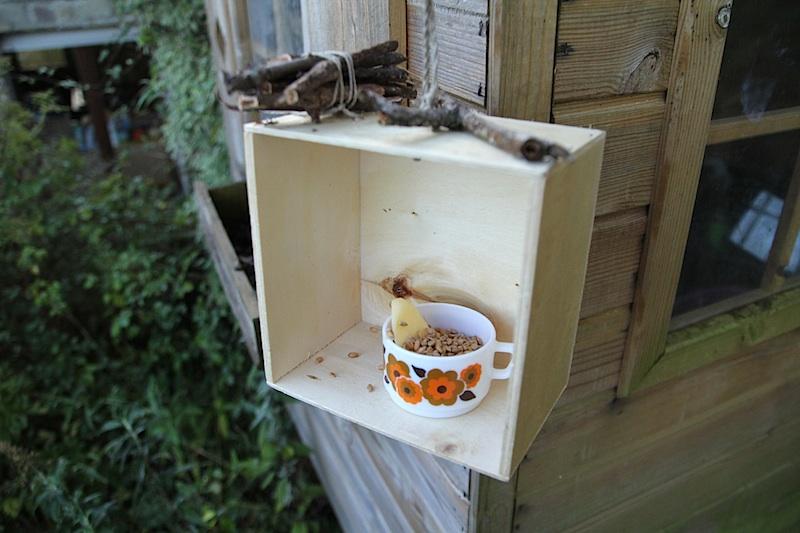DIY mangeoire à oiseaux de récup