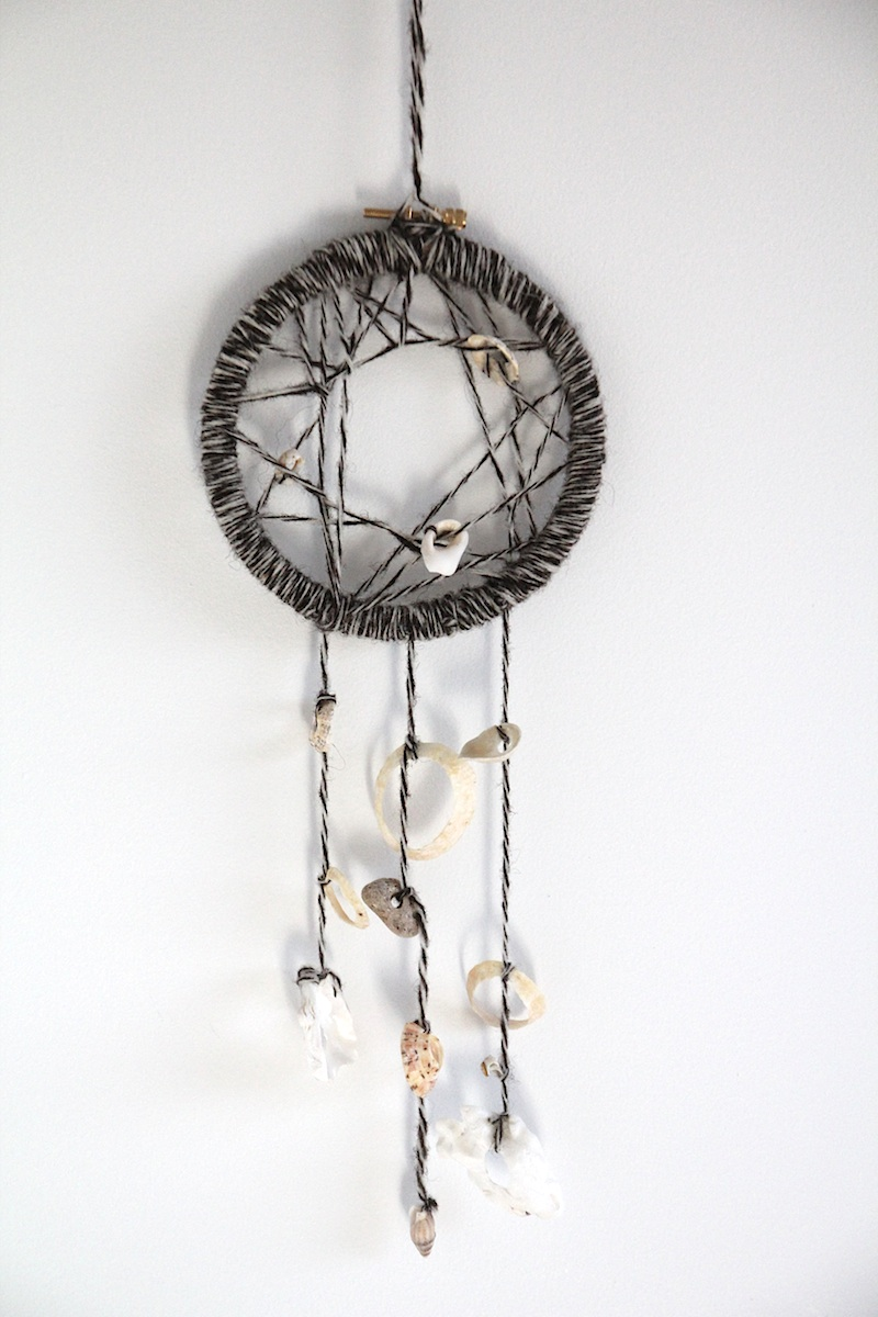 DIY dreamcatcher coquillages (via wonderfulbreizh.fr)