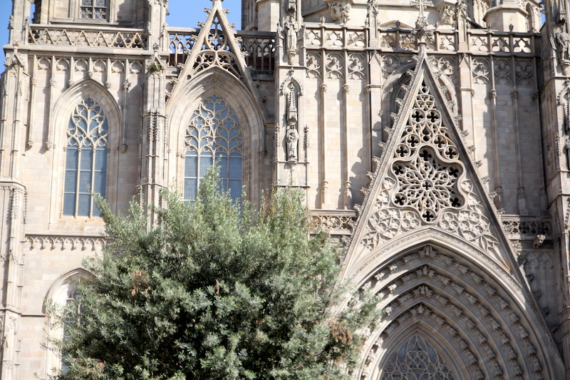 cathedrale_barcelone01