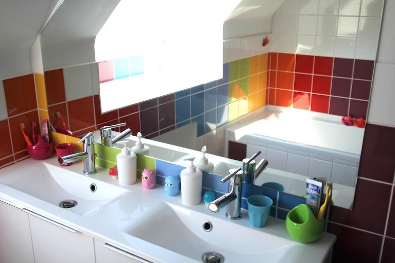 Salle de bain arc-en-ciel - Rainbow bathroom